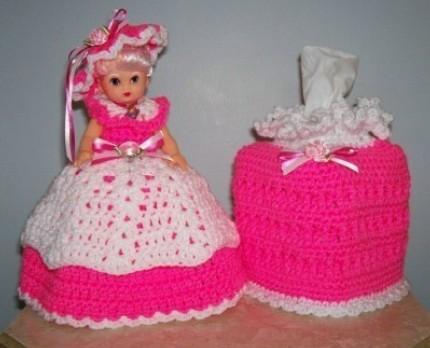 Toilet doll crocheted