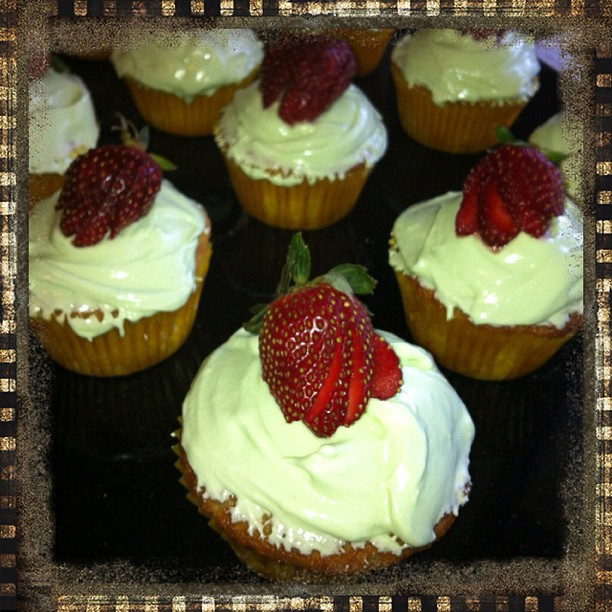 Awesome Strawberry & Lime Rekorderlig Cider Cupcakes