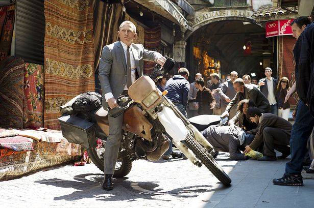 motorcycle istanbul james bond daniel craig