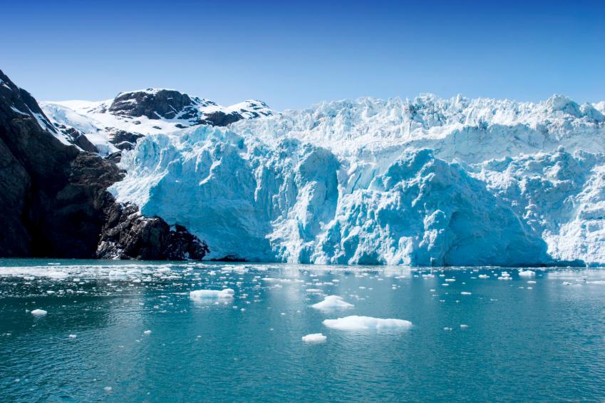 ocean liner scenic ice cliffs