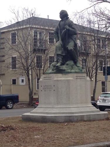 nataniel-hawthorne-statue.jpg