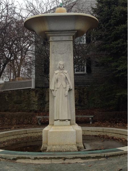 pilgrim-women-statue.jpg