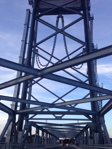 new-hampshire-maine-bridge.jpg