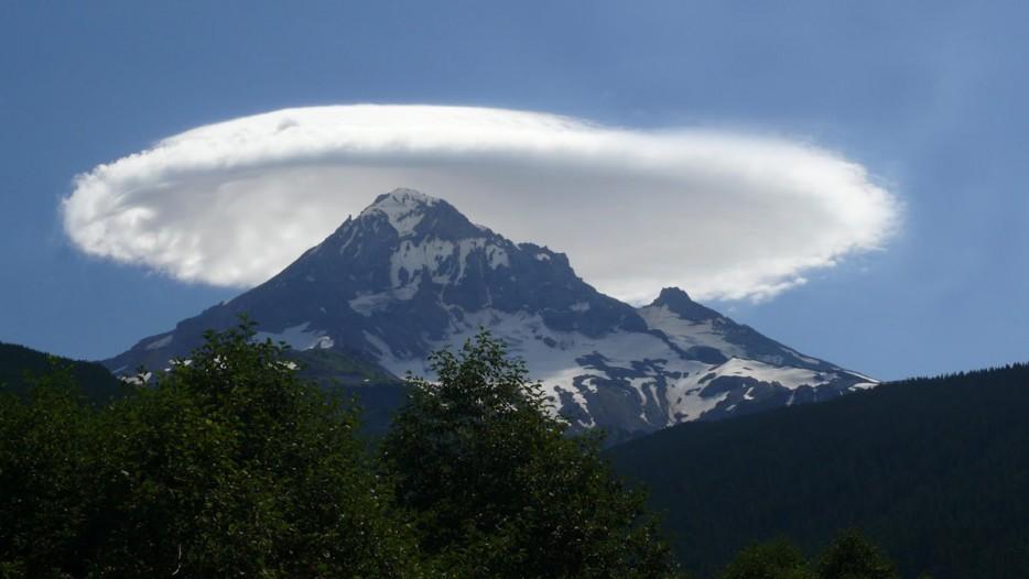 lenticular clouds 2