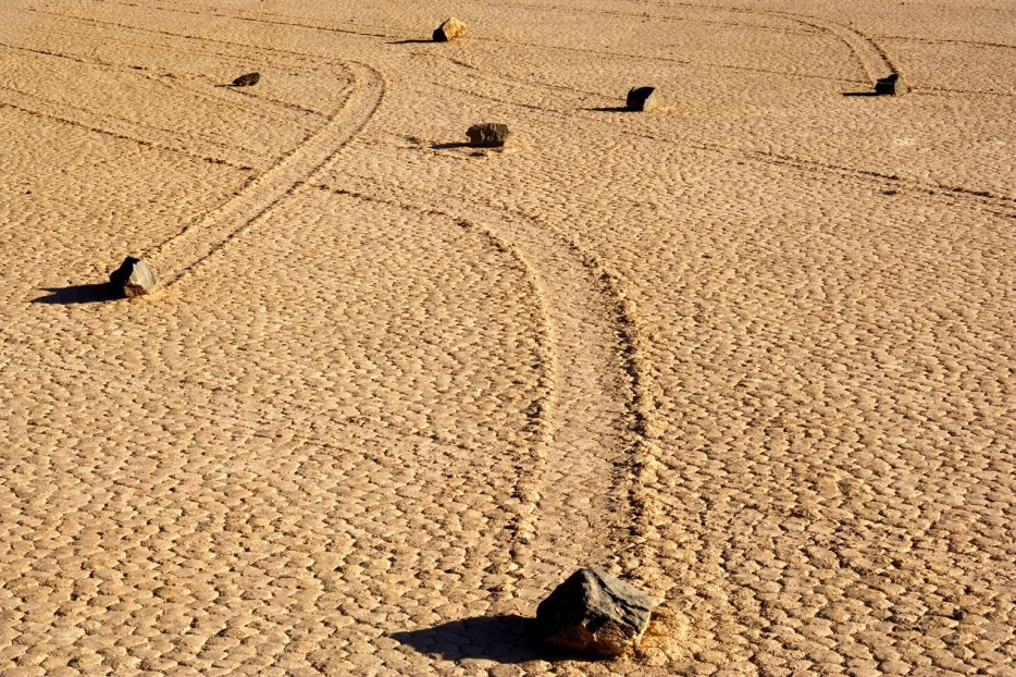 sailing stones death valley california
