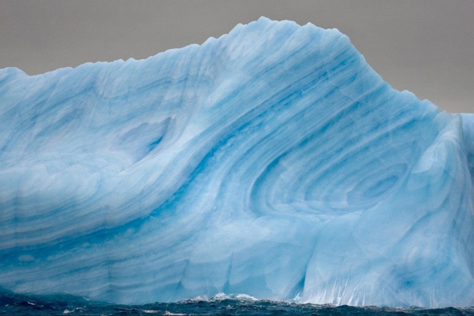 striated icebergs antartica 1