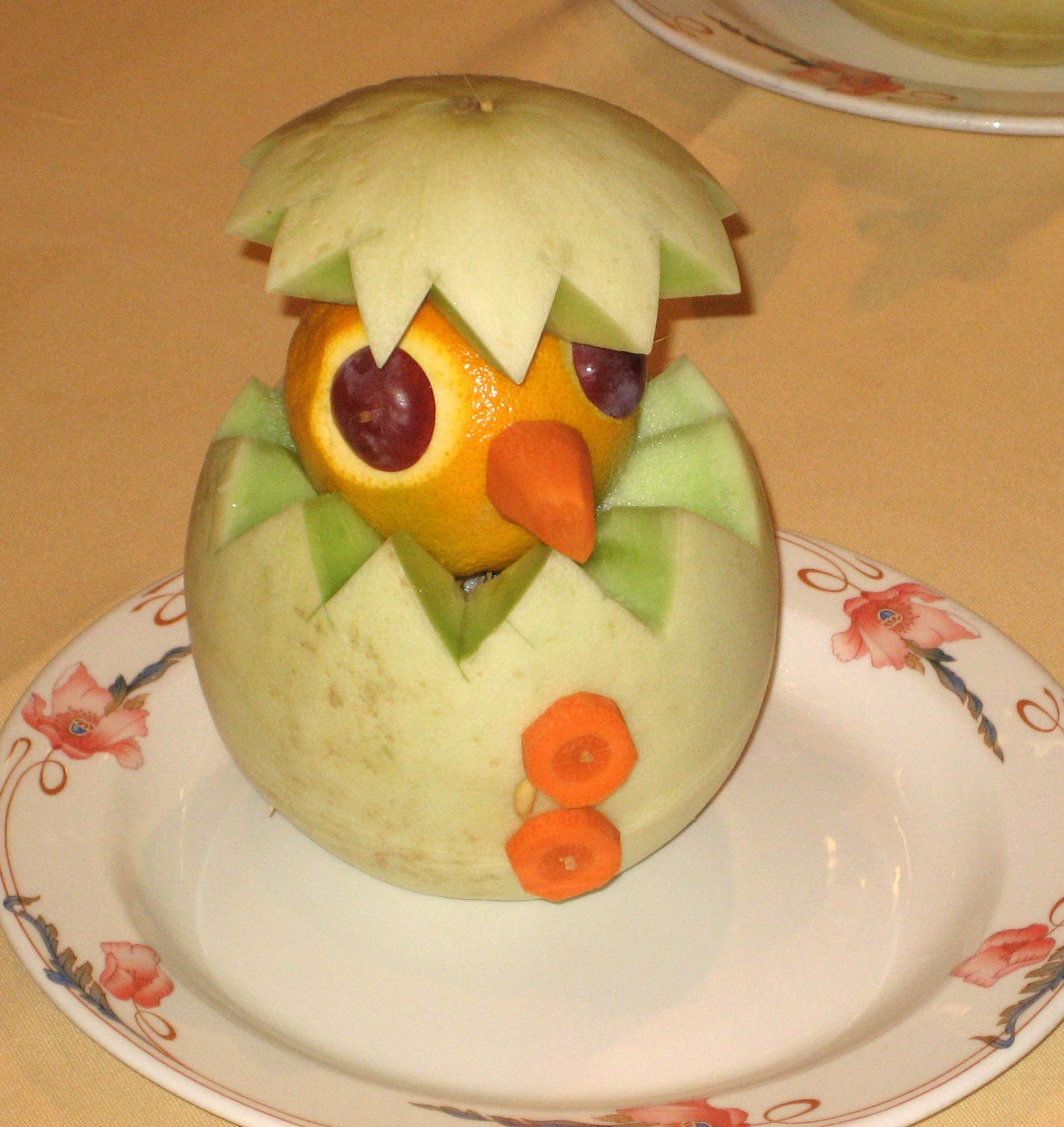 SA fruit carving chick