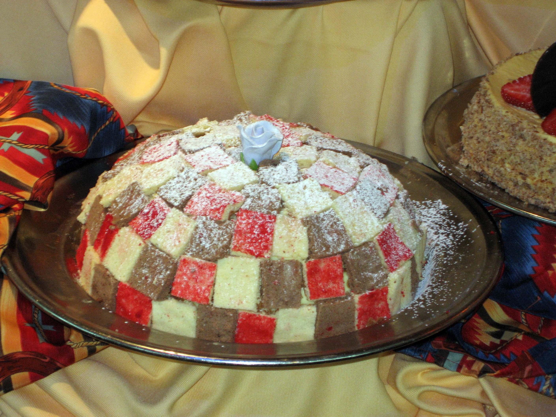SHorizon Checkered cake