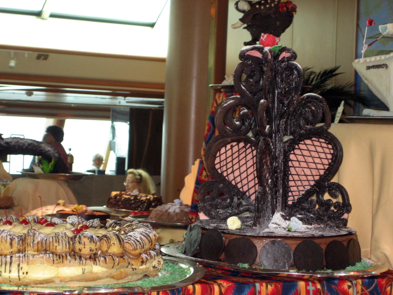 SHorizon pastry chocolate hearts