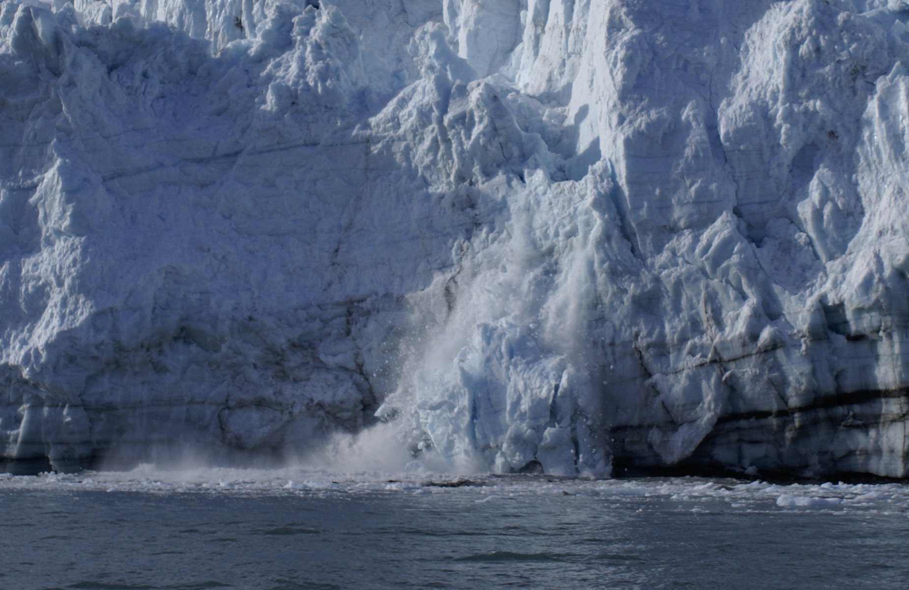 Calving glacier sequence, photo 2