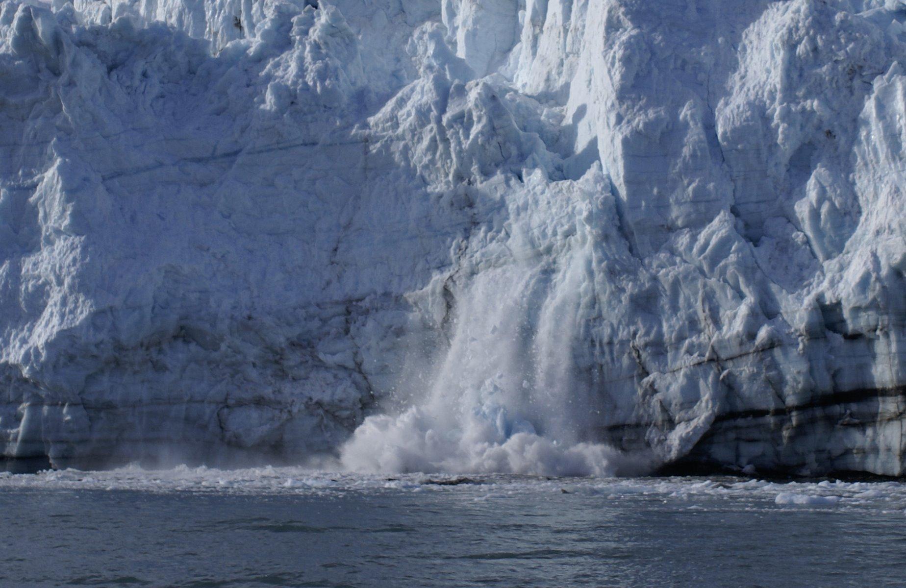 Calving glacier sequence, photo 3