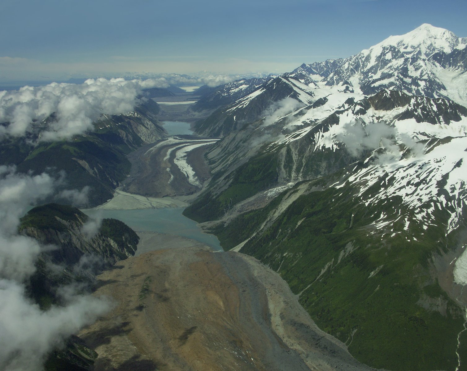 Desolation Valley is the active seam between North American and the Pacific crustal tectonic plate.
