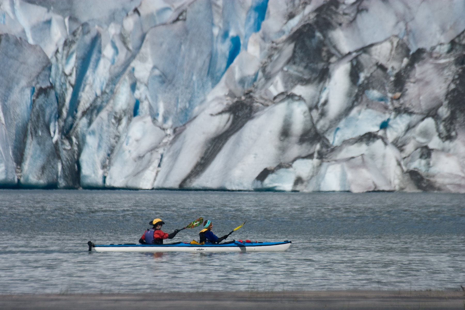 Mendenhall Glacier via kayak.
