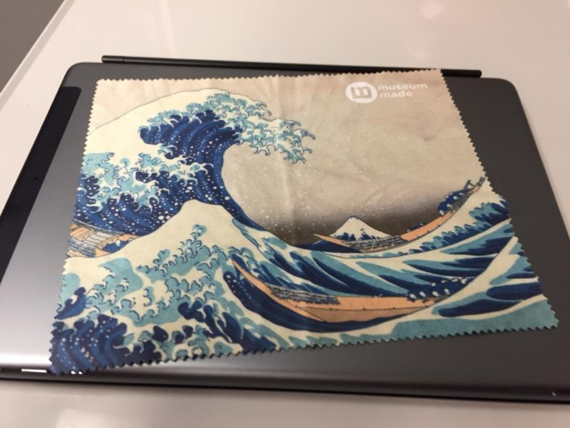 Great-Wave-lens-cleaning-cloth.jpg