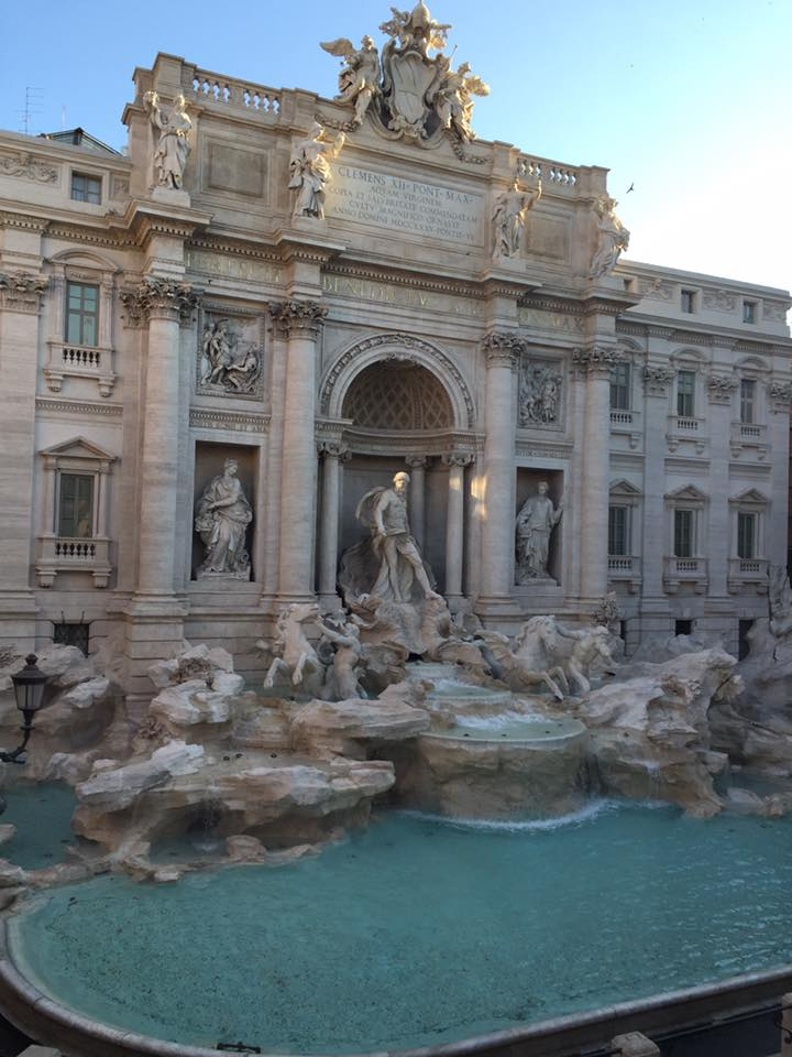 trevi fountain am